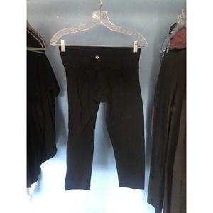 Lulu Lemon Black Cropped Yoga Pant 4
